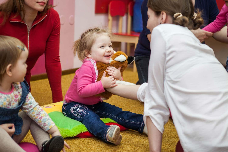 Занятия с малышами, ребенок на занятии, занятие в детском центре Подольск